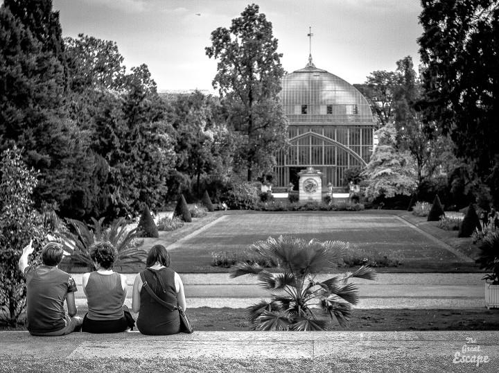 Le parc et la grande serre des jardins des serres d'Auteuil