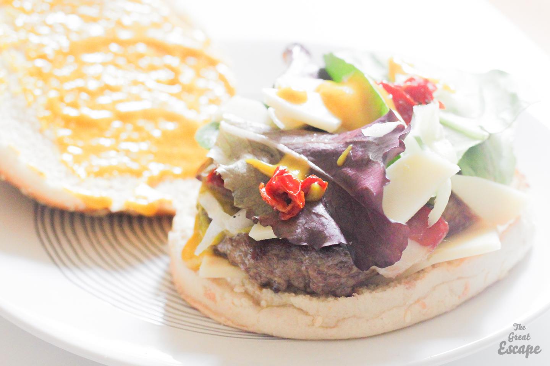 burger magret de canard fum tomates s ch es the great escape. Black Bedroom Furniture Sets. Home Design Ideas